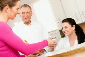 Gesetzlich Krankenversicherte zahlen die professionelle Zahnreinigung selbst.