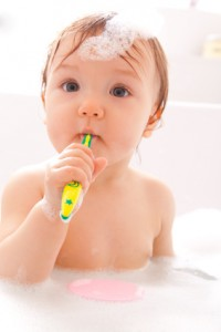 Zahngesundheit - Für Babys gibt es spezielle Zahnbürsten